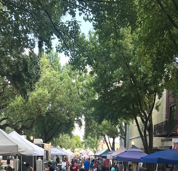 Downtown Farmers Curb Market Every Saturday!
